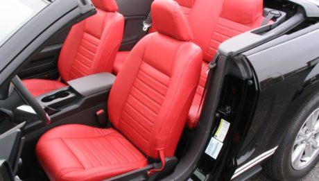 Nagyszerű minőségű autókárpitozást igényelhet.