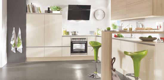 Remek áron vásárolhat fa hatású konyhabútorokat.