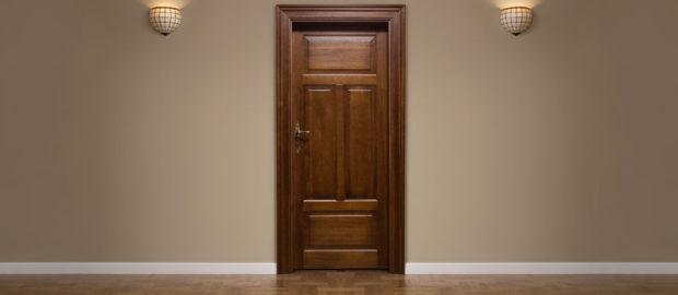 Remek áron terveztethet fa ajtót.